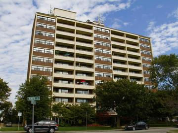 Apartments for Rent in Oakville -  Centennial Towers - CanadaRentalGuide.com