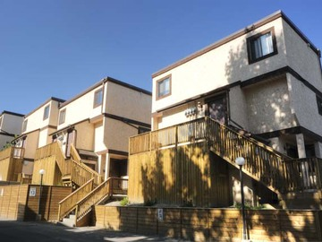 Apartments For Rent In Calgary   Queens Park Village Townhomes    CanadaRentalGuide.com