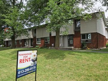 Apartments For Rent In Ottawa   Crystal Beach West   27 Elterwater Drive    CanadaRentalGuide.