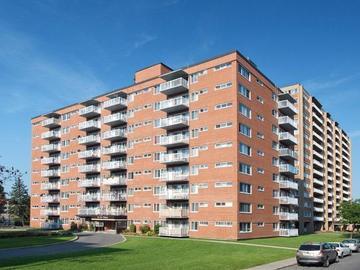 7460 Chemin Kingsley Place Kingsley Appartements Montreal Quebec Canadarentalguide Com