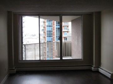 9910 - Vista Tower | - CanadaRentalGuide.com